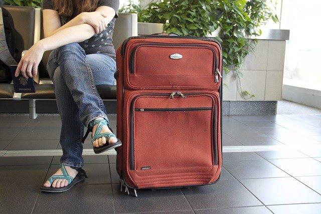 čekání u kufru