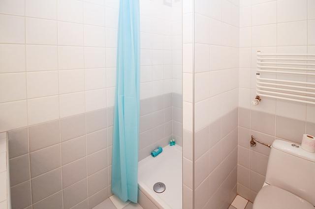 závěs u sprchy