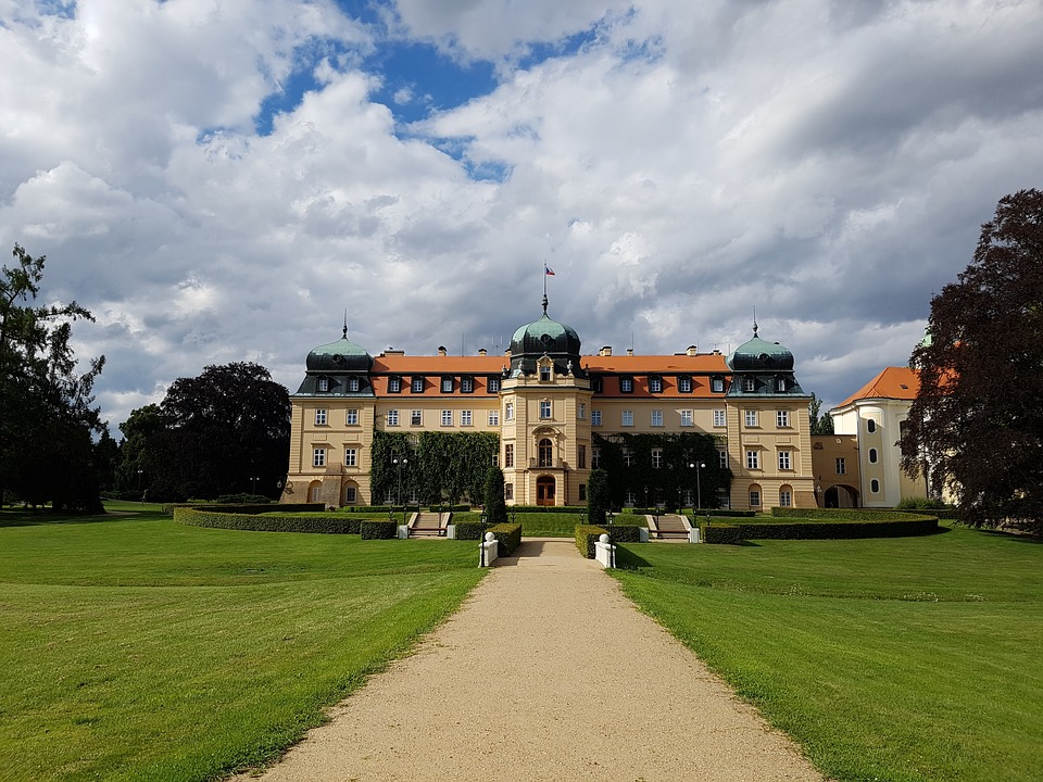 Půjčovna dodávek Praha vás zve na Kladensko